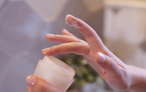 Choose The Best Moisturizer For Sensitive Skin